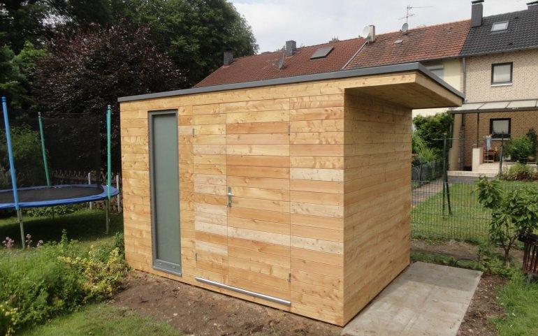 Zahradní domek s přístřeškem
