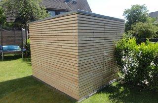 Domek na nářadí s pultovou střechou