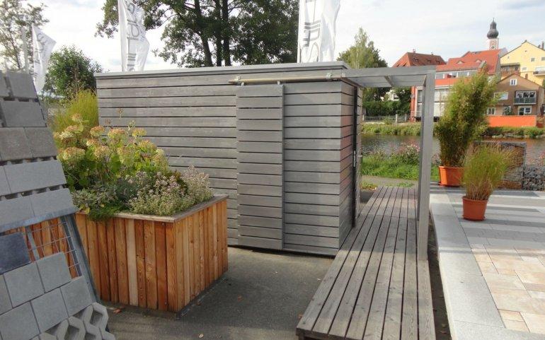 Moderní šedý zahradní domek