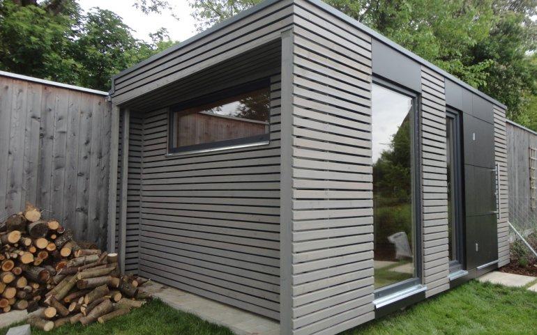 Moderní šedý domek na nářadí NATURHOUSE