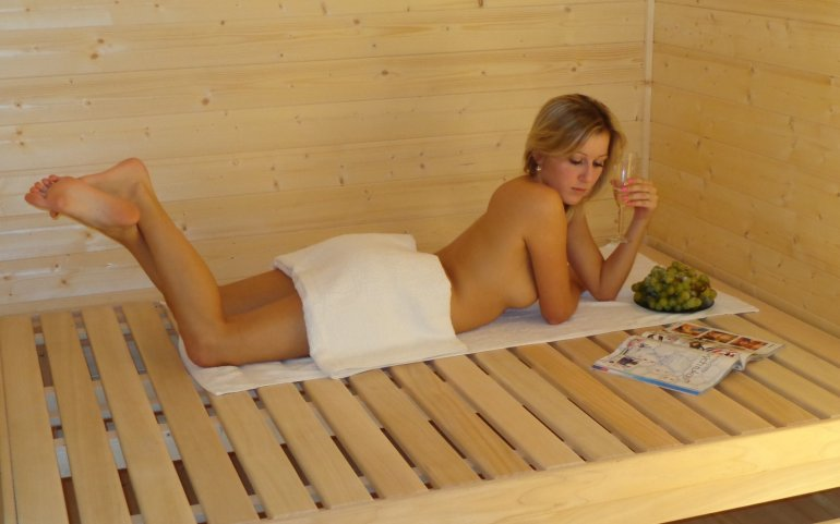 Odpočívárna u venkovní sauny