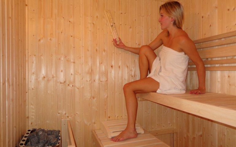 Saunování v zahradní sauně NATURHOUSE