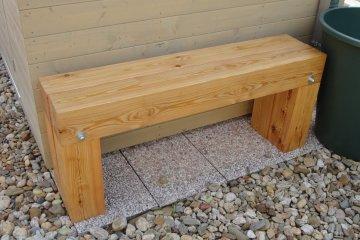 Dřevěná lavička - Horky nad Jizerou