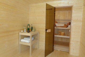 Sauna 5,7 x 2,5 m + sklad 2,41 x 2,47 m - Praha