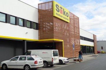 Dřevěný obklad fasády a obklad interiéru - Siko koupelny Plzeň